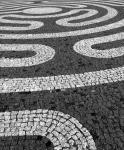 Viens solis meditācijas labirintā